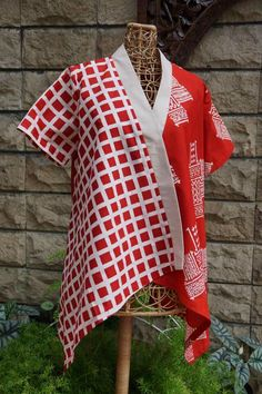 38 trendy sewing clothes blouses for women Blouse Batik, Batik Dress, Batik Fashion, Hijab Fashion, Women's Fashion, Batik Kebaya, Sundresses Women, Tunic Pattern, Blouse Outfit