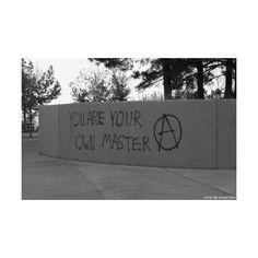 الواقع تمتص ❤ liked on Polyvore featuring grunge, pictures, photos, black and white and fillers