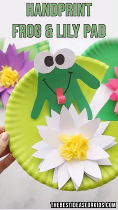 HANDPRINT FROG – this easy kids craft is so cute! Kids will love making their ow… HANDPRINT FROG – this easy kids craft is so cute! Kids will love making their own frog craft on top of a paper plate lily pad. Perfect to make with toddlers or preschoolers! Easy Crafts For Kids, Toddler Crafts, Projects For Kids, Art For Kids, Toddler Preschool, Recycled Projects Kids, Kids Nature Crafts, Crafts With Toddlers, Summer Crafts For Preschoolers