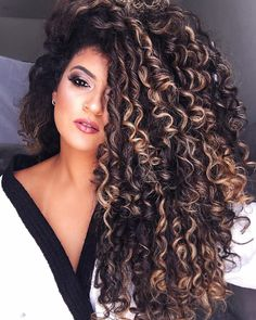 The Secret To Amazing Curly Hair Precious curly hair Colored Curly Hair, Short Curly Hair, Curly Hair Styles, Natural Hair Styles, Updo Curly, Ombre Curly Hair, Braided Hairstyles, Cool Hairstyles, Wedding Hairstyles