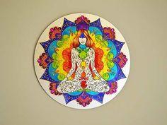Vitral Mandala Mulher e Cores Dos Chakras Feita à mão com tinta relevo e verniz vitral Em Espelho 40cm