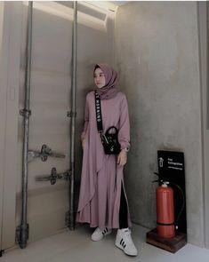 Street Hijab Fashion, Muslim Fashion, Modest Fashion, Girl Fashion, Fashion Dresses, Hijab Wear, Casual Hijab Outfit, Hijab Dress, Casual Outfits