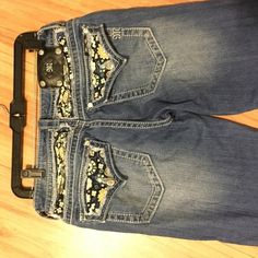 Miss me crop capris Worn twice! Super cute with anything! I'm taking offers for them!  Miss Me Jeans Ankle & Cropped