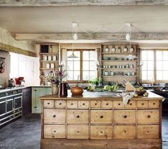 Country Kitchen, New Kitchen, Kitchen Rustic, Kitchen Layout, Rustic Farmhouse, Rustic Kitchens, Kitchen Ideas, Bohemian Kitchen Decor, Reclaimed Kitchen