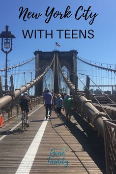 Planning a family trip to New York and wondering what to do with teens in NYC? These recommendations for 25 fun things to do in New York City with teenagers New York City Vacation, New York City Travel, Map Of New York City, Nyc Go, New York Travel Guide, New York Christmas, City Photography, Family Travel, Family Family
