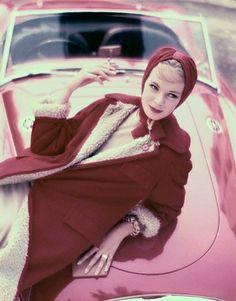 hollyhocksandtulips:  Gretchen Harris, Vogue, 1957 Photo by Norman Parkinson