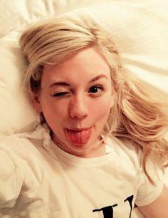 Emily Kinney (aka Beth) making my FAV emoji face!