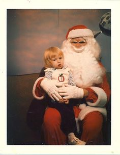 Holy Crap!...        ....22 Creepy Mall Santas...