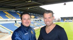 Briscoe signs new deal