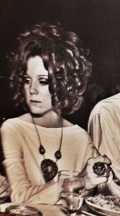 On April Pamela Courson died of a heroin overdose on the living room couch at the Los Angeles apartment she shared with two male friends. Pamela Courson, Coconut Grove, Light My Fire, Sienna Miller, Blues Music, Jim Morrison, Mug Shots, Pictures Images, S Girls