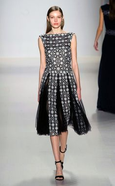 Tadashi Shoji - NYFW Fall/Winter 2015-2016 - www.so-sophisticated.com