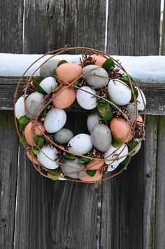 Krásný velikonoční věnec