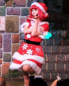 ス やっと会えた  クリパ構成変わったんです 残り少ない機会しっかり見たい   #ピューロクリスマス #スが消えちゃった  #廣瀬愛 さん Harajuku, Christmas Ornaments, Disney Princess, Holiday Decor, Disney Characters, Style, Swag, Christmas Jewelry, Christmas Decorations