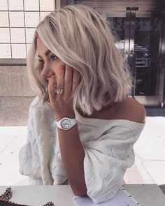 30 perfect balayage blonde hair color trends for 2019 00113 Short Hair With Bangs, Hairstyles With Bangs, Short Hair Cuts, Pixie Cuts, Blonde Haircuts, Balayage Hair, Ombre Hair, Wavy Hair, Hair Lengths