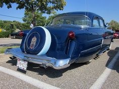 1953 Ford Customline with continental kit