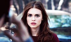 teen wolf, holland roden, and lydia martin image Teen Wolf Gif, Teen Wolf Cast, Wolf Character, Character Aesthetic, Lydia Martin Hairstyles, Lydia Martin Style, Holland, Stydia, Wolf Girl