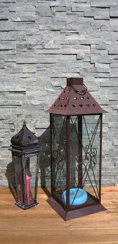 Garantert frostsikker fasadeskifer til inne- og utebruk. Til hele vegger eller som dekorasjon på en flate for å variere. Finnes også som hjørnestein. Kirkenes, Gazebo, Outdoor Structures, Kiosk, Pavilion, Cabana