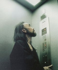 yohji yamamoto by alexia silvagni for i-D october 1999, the elevator issue