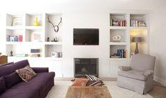 Fireplace with bookshelves Living Tv, My Living Room, Home And Living, Living Room Decor, Alcove Shelving, Built In Cupboards, Home Fireplace, Built Ins, Interior Design Living Room