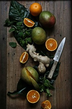 Pratos e Travessas: Smoothie de manga, gengibre, laranja e cidreira # Mango, ginger, orange and lemon balm smoothie