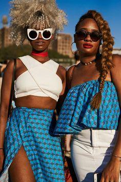 Looks no festival Afropunk combinando estampas.