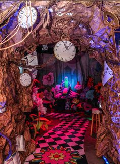 Alice in Wonderland rabbit hole. - give me the time, space, and budget and I could make this too!
