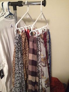closet organization Schal Organisation… If You Don't Have Enough Yard Space, Create A Container Gard Apartment Closet Organization, Scarf Organization, Organization Ideas, Organizing Tips, Storage Ideas, Tank Top Organization, Organizing Scarves, Apartment Ideas, Storing Scarves