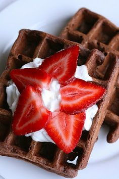 More than creative and delicious waffle recipes including Blueberry Muffin Waffles, Cinnamon Roll Waffles, Maple Bacon Waffles. Chocolate Waffles, Chocolate Cake, Chocolate Chips, Craving Chocolate, Delicious Chocolate, Chocolate Fondue, Yummy Treats, Yummy Food, Little Lunch
