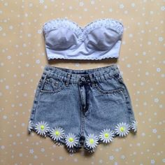 Cute daisy shorts