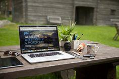 https://flic.kr/p/wgcMzt | Pool Web Agency | outdoor office | web design | mac | apple | computer | ipad | designer