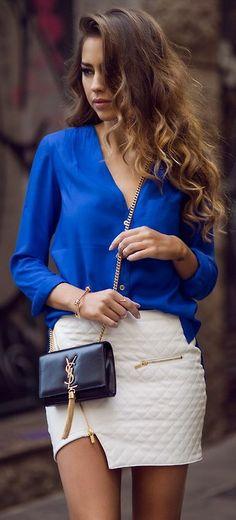 Blusa azul eléctrico de botones al frente y hermosa falda con sierre diagonal- hermoso look