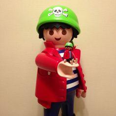 playmobil man with playmobil Dani, Legoland, Smiley, Pirates, Kindergarten, Nostalgia, Geek Stuff, Collections, Toys