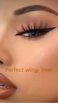 Smoke Eye Makeup, Cat Eye Makeup, Eyebrow Makeup, Skin Makeup, Eyeshadow Makeup, Dope Makeup, Emo Makeup, Baddie Makeup, Makeup Tutorial Eyeliner