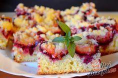 Jemný koláč se švestkami bez kynutí | NejRecept.cz Croissants, Vanilla Cake, Sweet Recipes, Banana Bread, Cheesecake, Food And Drink, Sweets, Baking, Fruit