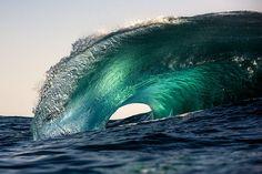 Fotografias de ondas monumentais de Warren Keelan