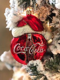 Hallmark Christmas Ornaments, Christmas Countdown, Christmas Decorations, Holiday Decor, Merry Christmas Pictures, All Things Christmas, Coca Cola Wallpaper, Coca Cola Decor, Coca Cola Christmas