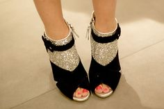 How pretty would these be for New Year's Eve?? Sooo sparkly!
