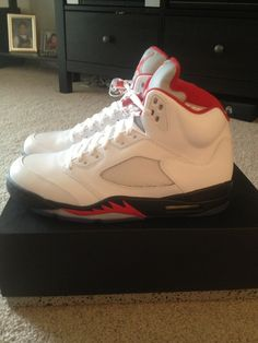 Jordan Retro 5 DS sz 10 *NEW* JORDAN *RETRO*