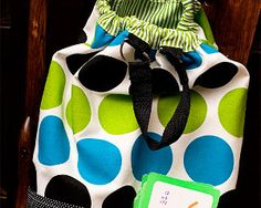 Darling Drawstring Backpack - Whether you're looking at a full course load or you know someone who is, this Darling Drawstring Backpack from Kendra McCracken for Fiskars is a sewing bag tutorial you'll want to check out. Take a few minutes to browse through instructions on how to make a backpack.