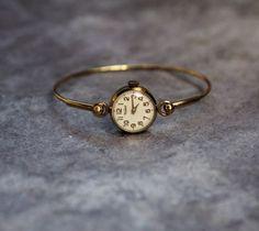 Cute Jewelry, Jewelry Accessories, Women Jewelry, Fashion Jewelry, Jewelry Bracelets, Jewelry Trends, Jewlery, Antique Bracelets, Gold Jewelry