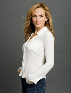 """Marlee Matlin is an Academy Award and Golden Globe Award recipient at the age of 21 because of her revolutionary role in """"Children of a Lesser God."""" She is currently a cast member of the hit drama TV series, Switched at Birth. She has been on many roles and starred in a lot of films and as well as made a lot of guest star appearances on multiple television series such as The L Word, Picket Fences and many more.  http://www.thextraordinary.org/marlee-matlin#biography"""