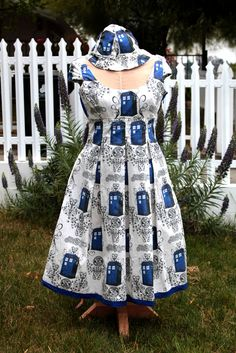 Tardis Dress - CLOTHING DIY, patterns, tutorials, recipes, gift ideas, knitting, crochet, and much more on Craftster.org