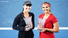 Martina Hingis and Sania Mirza extended their winning streak to 30 matches in a row to win the 2016 Apia International Sydney.