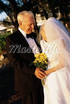 elderly couple wedding ceremony