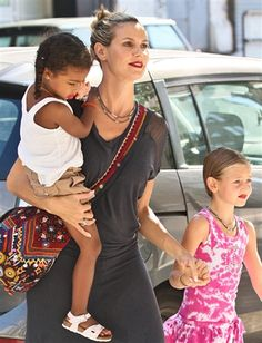 Heidi Klum and her adorable daughters don bright lipstick - The Look (Stefan Jeremiah / WENN.com)