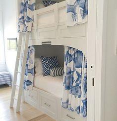 Custom-built bunk bed design. Home Bunch