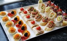 healthy snacks for preschoolers at school printable free Appetizer Sandwiches, Mini Sandwiches, Appetizer Recipes, Party Canapes, Appetizers For Party, Reception Food, Nutrient Rich Foods, Food Platters, Food Decoration