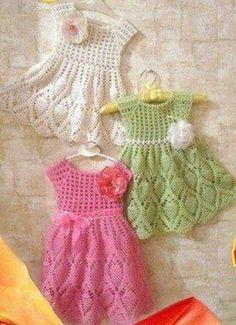 """Вязаное платье для маленьких принцесс узором """"ананас"""""""