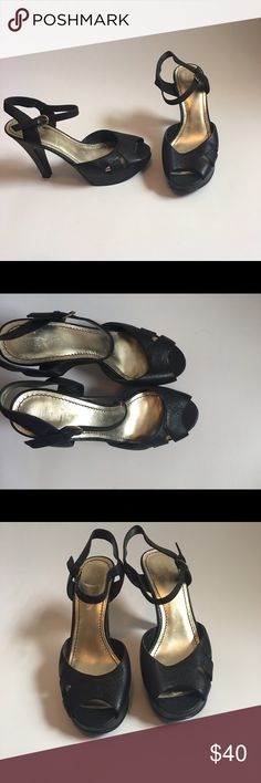 "Nine West Open Toe Heels Used in great condition. Size 9 heel is 4.5"" high and front platform is 1"". Wear them with a dress, jeans, shorts, skirts with Anything that comes to Mind . Nine West Shoes Heels"