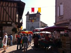 Villereal market Aquitaine, French Connection, Times Square, Street View, Places, Summer, Travel, Summer Time, Viajes